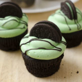 Mint Chocolate Oreo Cupcakes