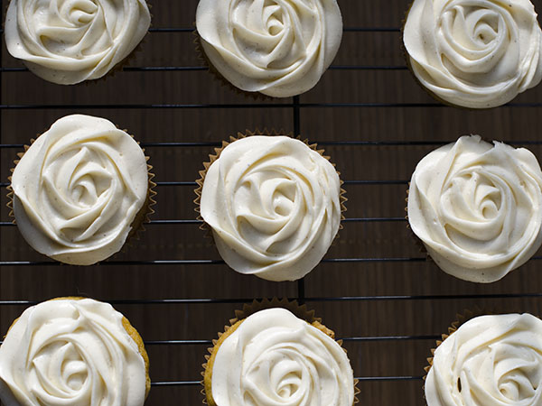 Pumpkin cupcakes with cinnamon cream cheese frosting the Ina garten pumpkin cupcakes
