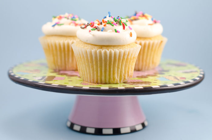 Vegan Vanilla Cupcakes With Vanilla Buttercream Frosting