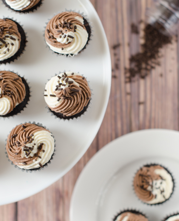 Vegan-Mini-Chocolate-and-Vanilla-Swirl-Cupcakes